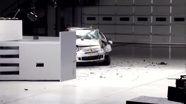 تست تصادف فیات 500 محصول جدید لوتوس خودرو