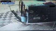 تصادف اتوبوس و عابر پیاده