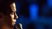 اجرای زنده آهنگ زیبای فرانک سیناترا فقید توسط رابی ویلیامز