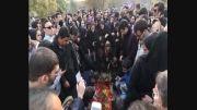 فیلم: هواداران بر سر مزار مرتضی پاشایی