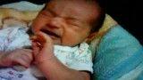 نوزاد در حال گریه