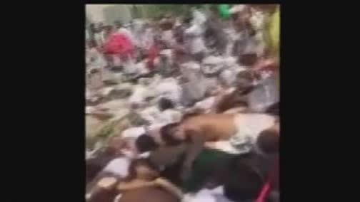 جمع آوری کشته شدگان توسط کامیون