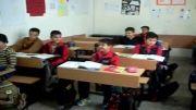امروز سه شنبه 2 مهرماه دانش آموزان کلاس پنجم اولین جلسه زبان