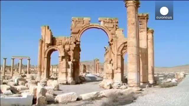 داعش یک طاق پیروزی در پالمیرا را منفجر کرد