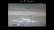 سقوط هواپیما لحظاتی پس از برخاستن از باند فرودگاه