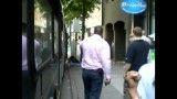 حمله سگ پلیس در خیابان