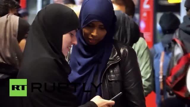 استقبال گرم مردم فرانکفورت آلمان از پناهجویان