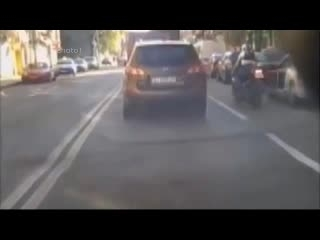 آینه بغل خودرو دکوری نیست!