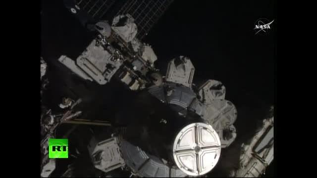 راهپیمایی فضایی و انجام تعمییرات در ایستگاه فضایی