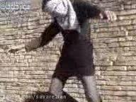 اجراء حکم اعدام پسری جوان با چوبه دار در ملاء عام!