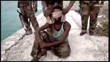 تروریست های سومالی و روش جدید اعدام+فیلم
