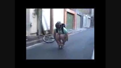 دوچرخه سواری با کوچک ترین دوچرخه دنیا