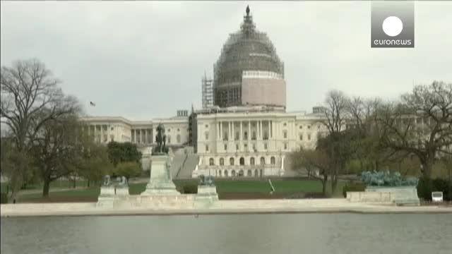 هلی کوپتری کوچک در نزدیکی کنگره آمریکا فرود آمد