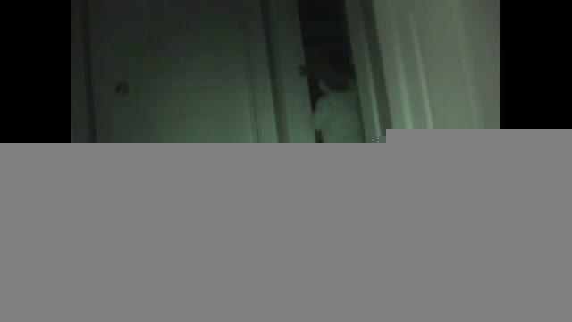 دزدی شبانه پسر دو ساله از اتاق خواب خواهرش!