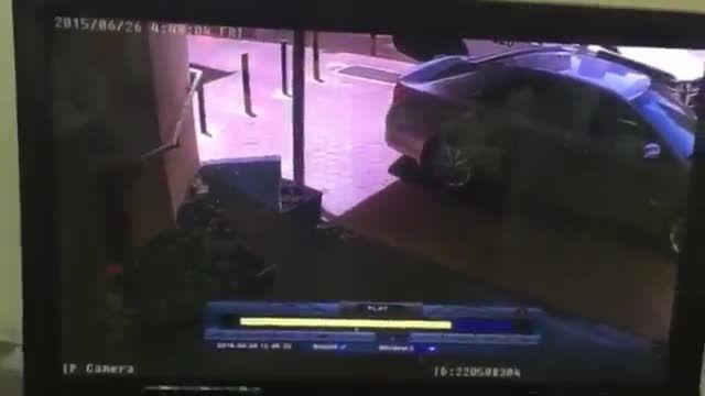 لحظه ورود و انفجار انتحاری در مسجد امام صادق(ع) در کویت