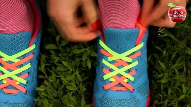 هنرنمایی در بستن بند کفش.عالیه..! HD