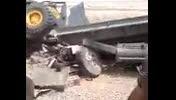 تصادف کامیون و زنده مانده راننده در اقلید فارس