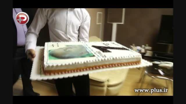 وقتی کیک تولد علی پروین را به صورت ستاره پرسپولیس زدند!