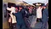 سوار شدن عجیب مترو در چین!!!!