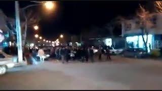 """اعتراض مردم فریدونشهر به سرقت تندیس کلمه """"الله"""" گرجی"""