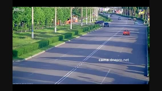 تصادف عجیب موتورسیکلت در اکراین
