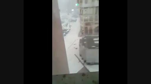 پرت شدن زائران به دلیل بادهای شدید در مکه