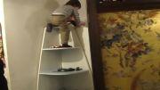 بالا رفتن کودک 2 ساله از کمد