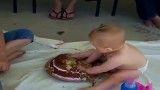 روش جدید کیک خوردن :D