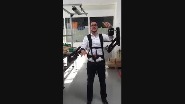 روبات هایی که به کارگران کارخانه ها قدرت های فوق بشری خ