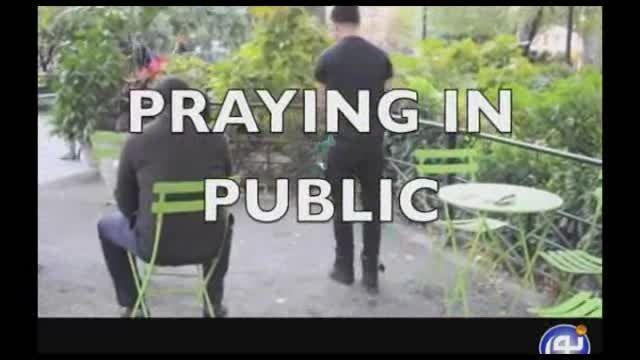 واکنش مردم آمریکا به نماز خواندن یک مسلمان درمکان عمومی