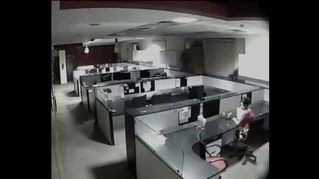 ثبت تصاویری باور نکردنی توسط یک دوربین مداربسته