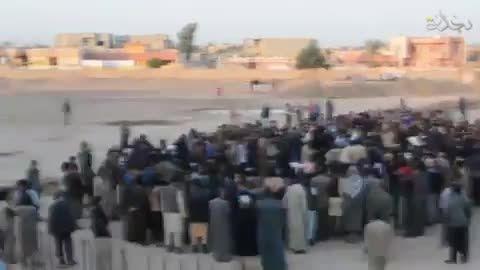 جنایتی کثیف دیگری از داعش - قطع دست به اتهام سرقت