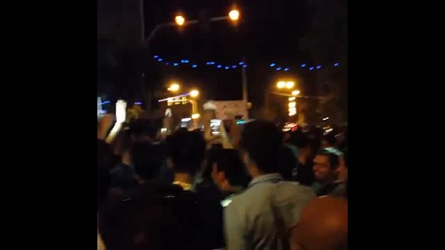 شادی مردم کرمانشاه پس از پیروزی ایران مقابل آمریکا