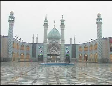اولین بارش برف سال1394بانمای حرم مطهرحضرت محمدهلال(ع)