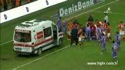 دروگبا بازیکن حریف را راهی بیمارستان کرد/ آمبولانس در زمین بازی