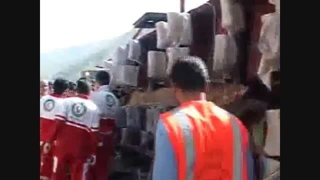 واژگونی اتوبوس مسافری با 30 کشته و زخمی در مسیر تهران-