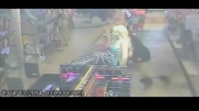 سرقت مسلحانه از یک فروشگاه