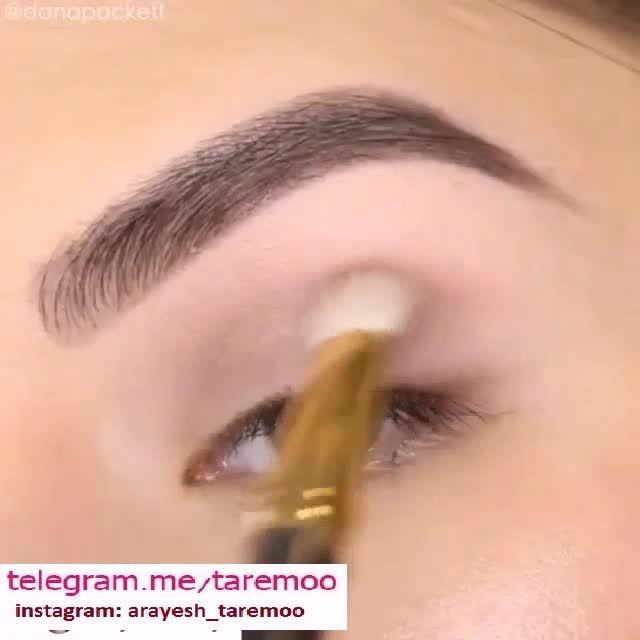 آرایش چشم دخترانه با خط چشم مشکی کشیده در تارمو