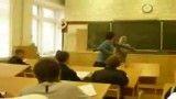 کتک خوردن معلم از دانش آموز