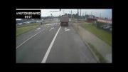 تصادف کامیون با قطار شهری.فاجعه