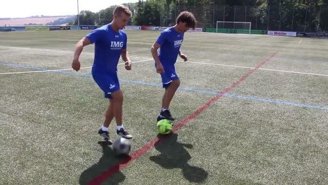 آموزش حرکات تکنیکی و سریع در فوتبال