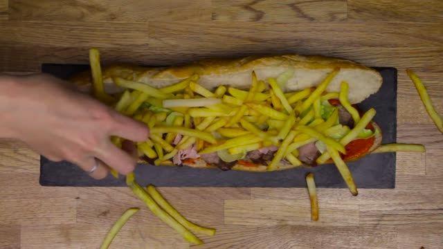۱۳ روش مختلف برای تهیه ساندویچ های خوشمزه دنیا-کجارو