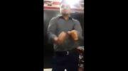 رقص فوق العاده این آقا با آهنگ سلام عزیزم؛شهرام صولتی!!