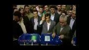 احمدی نژاد رای خود را در صندوق انداخت