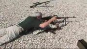 ژنرال آمریکایی و شلّیک با تیربار پی کا PKM