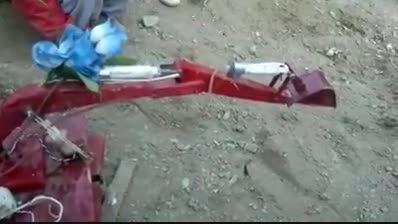 ابتکار نوجوان افغانی در ساخت یه بیل میکانیکی