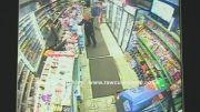 شکار لحظه تعرض به دختر انگلیسی توسط دوربین مدار بسته