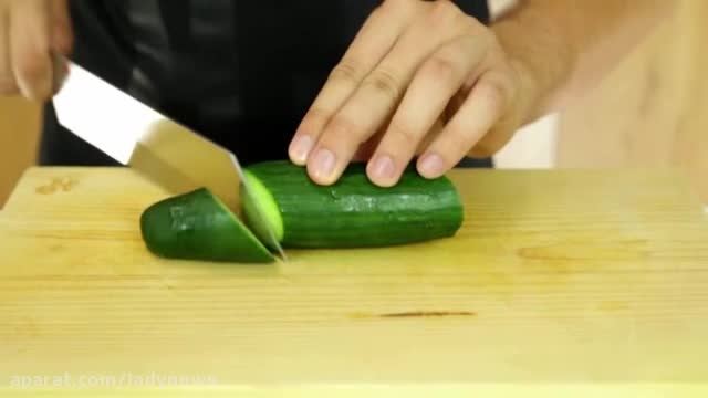 با چاقو خیار فنری درست کنید