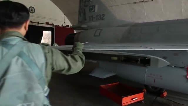 اسکورت هواپیمای رئیس جمهوری چین توسط جنگنده های پاکستان