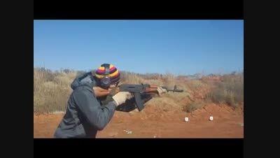 انفجار خشاب اسلحه کلاشینکف AK 74 حین تیراندازی
